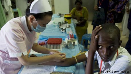 China Hospitalschiff Peace Ark vor Afrika