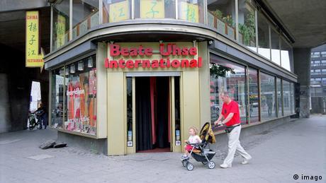 Beate-Uhse-Shop am Berliner Breitscheidplatz im Jahr 2002 (imago)