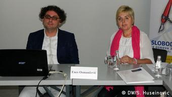 Borka Rudić s kolegom Enesom Osmančevićem na jednoj konferenciji o medijima