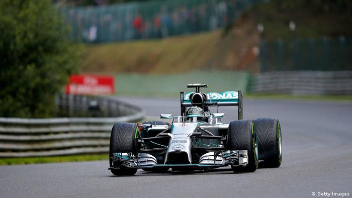Nico Rosberg fährt in seinem Mercedes in Spa (Foto: Dean Mouhtaropoulos/Getty Images)