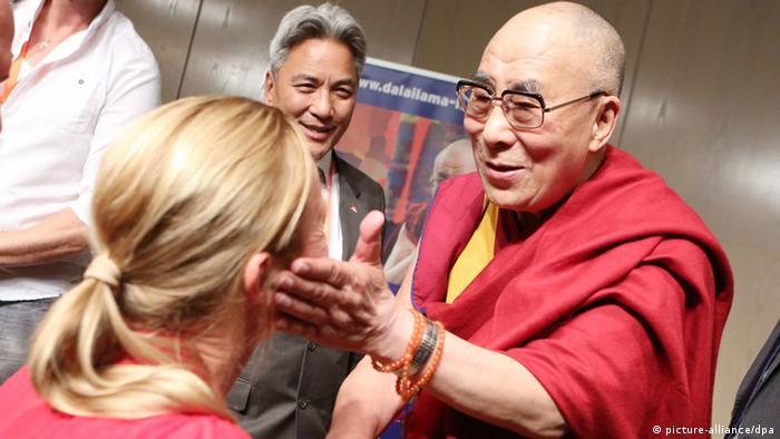Deutschland Dalai Lama zu Besuch in Hamburg