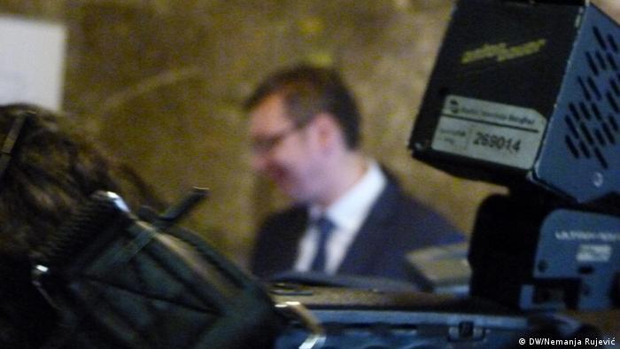 Predsjednik i mediji: Aleksandar Vučić daje izjavu novinarima