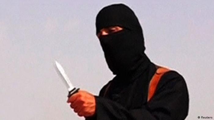 یکی از تروریستهای دولت اسلامی که جیمز فولی، خبرنگار آمریکایی را سر برید