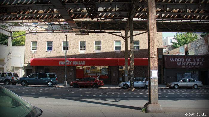 Geschäfte South Bronx New York USA Family Dollar