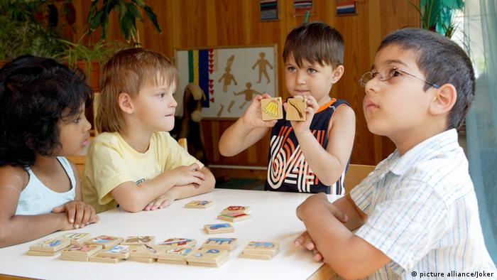 kindergarten Kids sitting around table