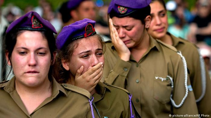 Israel Soldatinnen Trauer Beisetzung Beerdigung Sagi Erez