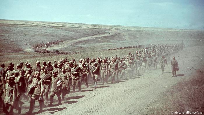 Советские военнопленные. 1942 год