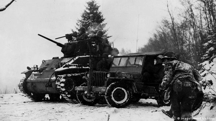 Veículos de guerra na neve