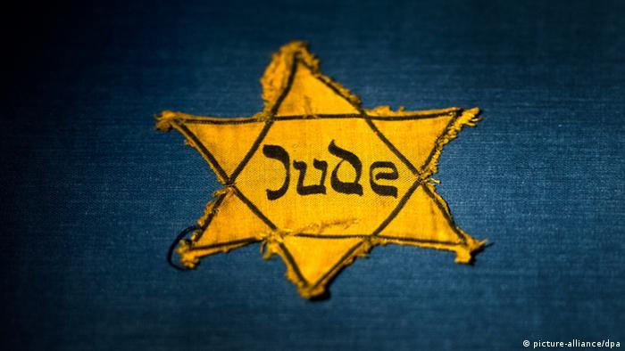 Judenstern auf blauem Grund (Foto: dpa)