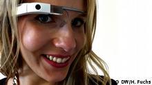 Hannah Fuchs mit Google Glass