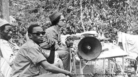 Amélia Araújo na Assembleia Nacional Popular da Guiné-Bissau, na região libertada de Madina de Boé (1973)