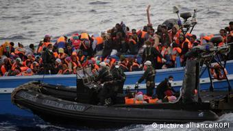 در سال ۲۰۱۴ نزدیک به ۱۷۰ هزار پناهجو از طریق آبهای مدیترانه و با قایق خود را به سواحل ایتالیا رساندهاند