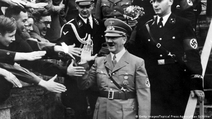 Adolf Hitler 1939 Copyright: Max Schirner/Topical Press Agency/Getty Images)