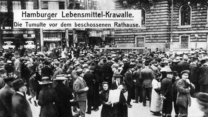 Hamburg im ersten Weltkrieg (picture-alliance/akg-images)