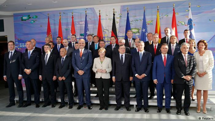 Die Teilnehmer der Westbalkan-Konferenz mit Bundeskanzlerin Angela Merkel (Foto: Reuters)
