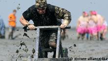 Bildergalerie Seltsame Sommer-Events Schlickschlittenrennen 2014