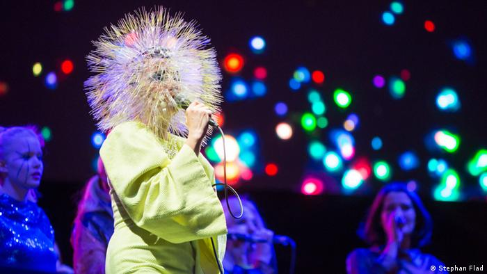 Björk onstage dressed as a dandelion (Stephan Flad)