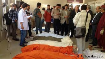 اجساد کشته شدگان رویداد ترافیکی در هرات.