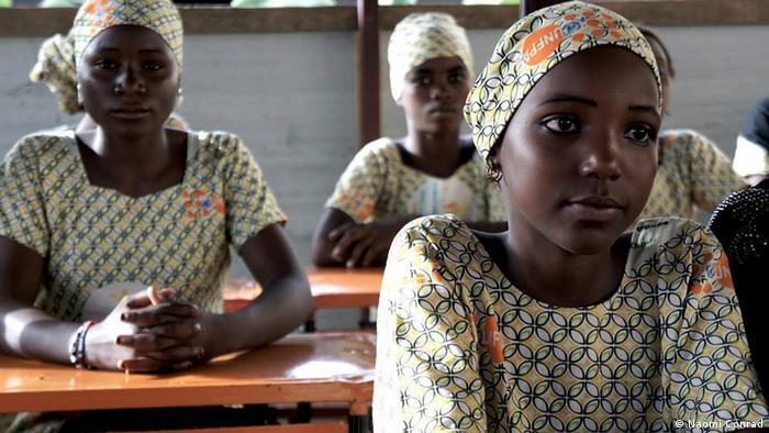 junge Mädchen in einer Mädchenschule im Südniger Foto: Naomi Conrad