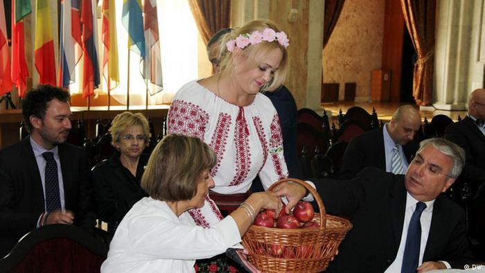 Mere moldovenești, servite oaspeților europeni la Chișinău