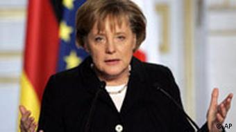 Angela Merkel in Frankreich Pressekonferenz