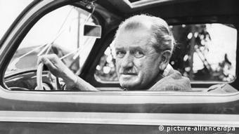 Automobil-Konstrukteur Ferdinand Porsche (picture-alliance/dpa)