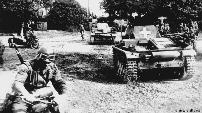Germans tanks and troops in Poland in 1939