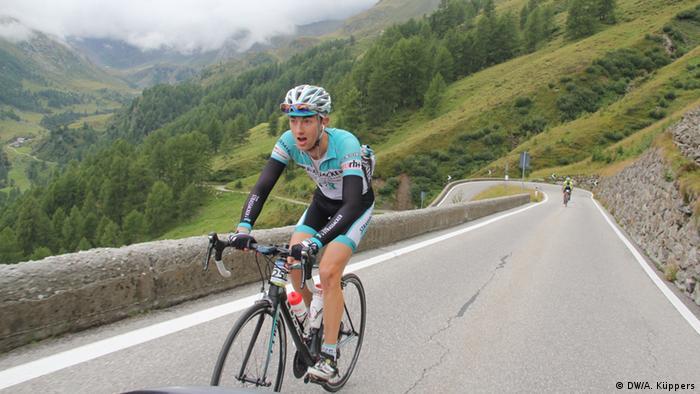 Joscha Weber auf Rennrad (Foto: DW)