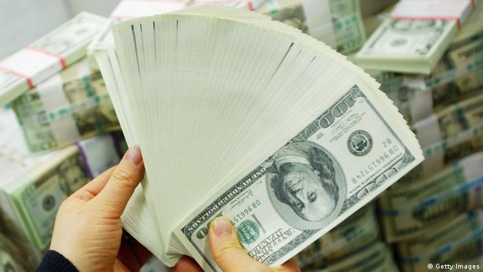 Dollar Banknoten (Getty Images)