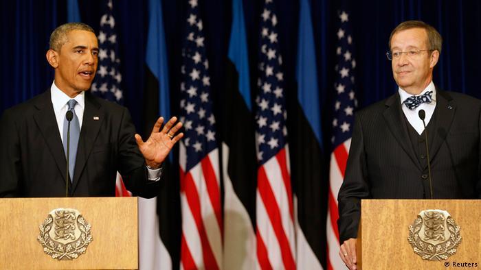 Presidente americano e colega estoniano, Toomas Hendrik Ilves durante entrevista coletiva em Tallinn