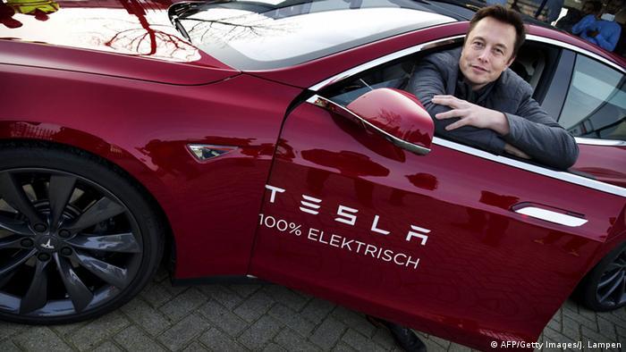 Tesla to remain public, says Elon Musk | News | DW | 25.08.2018