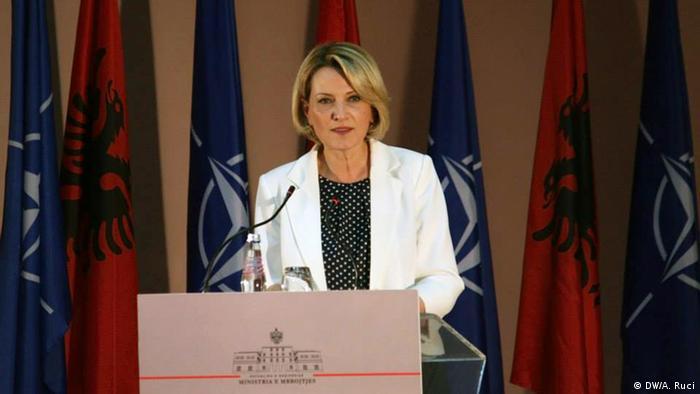 Nato Gipfel in Wales Mimi Kodheli Verteidigungsministerin Albanien
