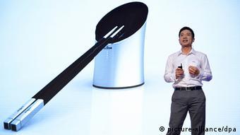 Smarte Essstäbchen aus China (picture-alliance/dpa)