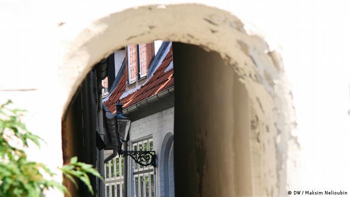 Проход во внутренний дворик в Старом городе