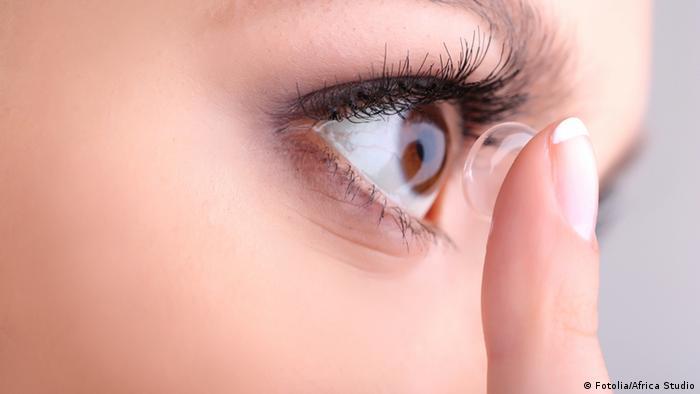 e2b77353b كيف تحافظ على عينيك من قصر البصر و فقدان النظر؟ | عالم المنوعات | DW ...