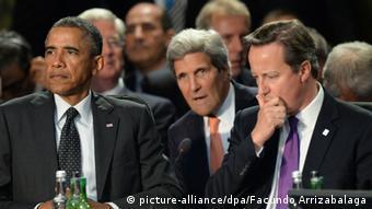 اوباما، جان کری و دیوید کامرون، نخستوزیر بریتانیا (راست)