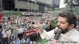 Lula em comício em 1989