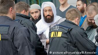 Οι σαλαφιστές έρχονται συχνά σε σύγκρουση με την αστυνομία