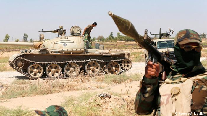 Irak Kurdische Peschmerga-Soldaten im Kampf gegen IS