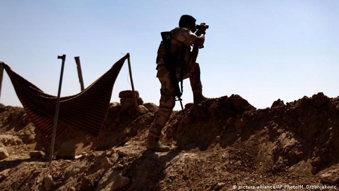 Kurdische Peschmerga-Soldaten aus dem Irak im Kampf gegen IS