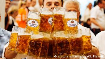 Mugs of German beer, Copyright: Sebastian Pieknik/dpa