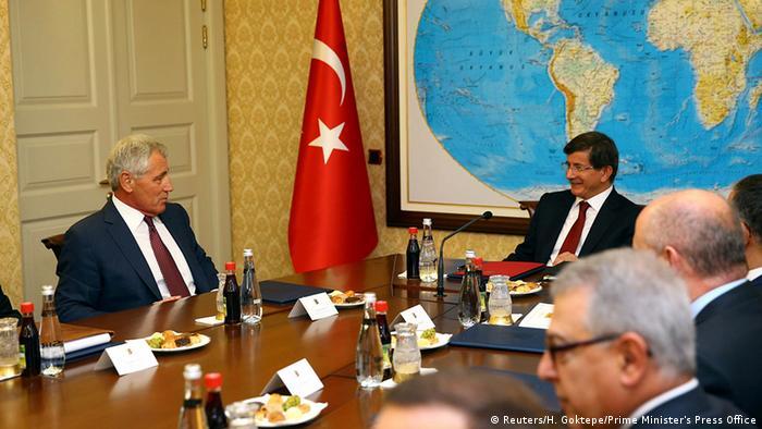 Türkei USA Verteidigungsminister Chuck Hagel bei Ahmet Davutoglu in Ankara