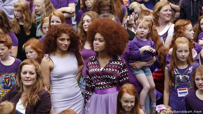 Rothaarigentag in Breda Rothaarige feiern Welttreffen der Feuerköpfe