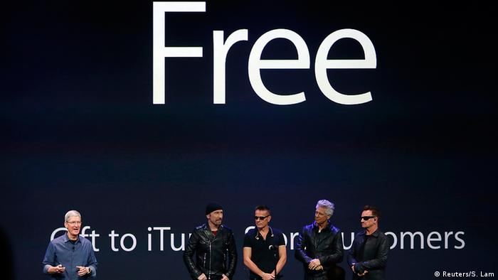 Apple promotional event with rock band U2 (Reuters/S. Lam)