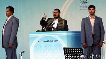 عبدالملک الحوثی رهبر شیعیان حوثی یمن. فرستاده ویژه سازمان ملل متحد کوشیده است او را به پایان دادن به خشونت ها متقاعد کند.