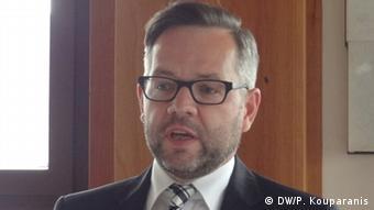 «Το 'Ταμείο για το Μέλλον΄ δεν αποτελεί ούτε συμψηφισμό και ούτε αποζημίωση για οτιδήποτε» ξεκαθάρισε ο γερμανός υφυπ. Εξωτερικών Μίχαελ Ροτ