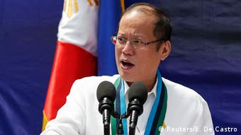 Philippine President Benigno Aquino speaks during a weapon distribution ceremony at the armed forces headquarters in Quezon city, Metro Manila August 14, 2014 (Photo: REUTERS/Erik De Castro)