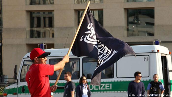 Demonstration von Salafisten in Berlin 30.03.2014 neu