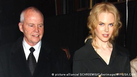 وفاة والد ″نيكول كيدمان″ في فندق بسنغافورة   عالم المنوعات   DW.DE   12.09.2014