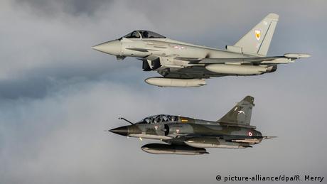فرنسا تشن أولى ضرباتها الجوية ضد مواقع ″داعش″   أخبار   DW.DE   19.09.2014